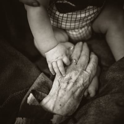 young and old y0OAmd COUM unsplash