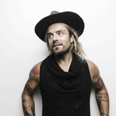 xavier-rudd-follows-his-own-storm.jpg