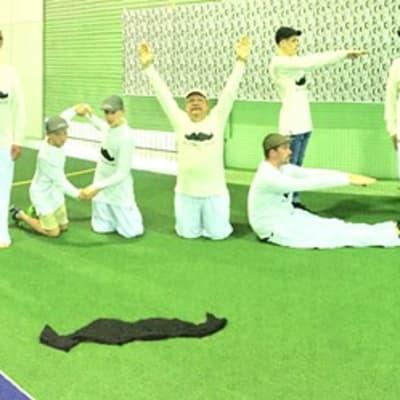 Mikee cricket.jpg