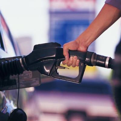 Fuel-pump_RACQ_image_26102021.jpg