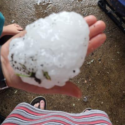 Hail_at_Yalbaroo-DonnaMcCarthyFacebook1.jpg