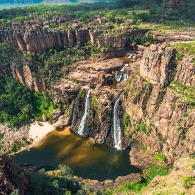 Twin_Falls_Kakadu_National_Park.JPG