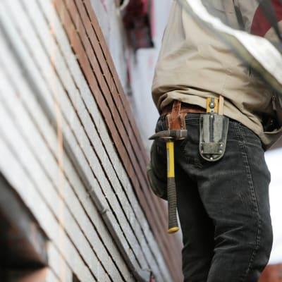 construction-worker-g71e17ed22_1920.jpg