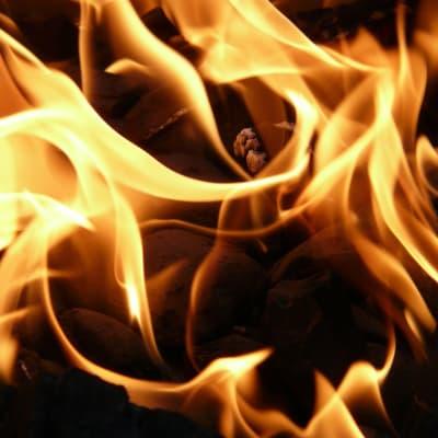 fire-gedb207996_1920.jpg