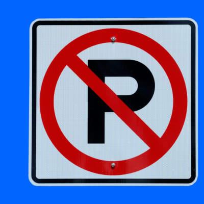 no-parking-sign-1419010658oQh.jpg