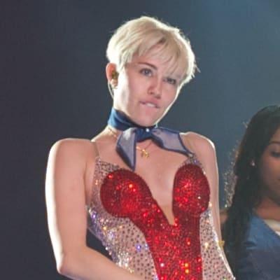 Miley2014