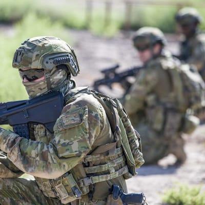 Army Soldiers.jpg