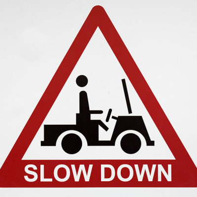 Traffic sign slow down