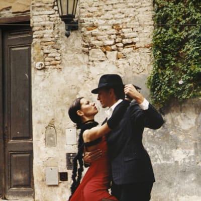 tango 190026 960 720