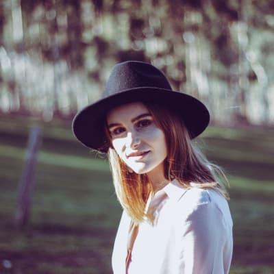 Kate Hindle.jpg