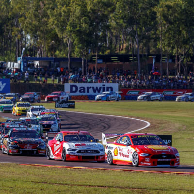 Crowds_Permitted_At_Supercars_1.jpg