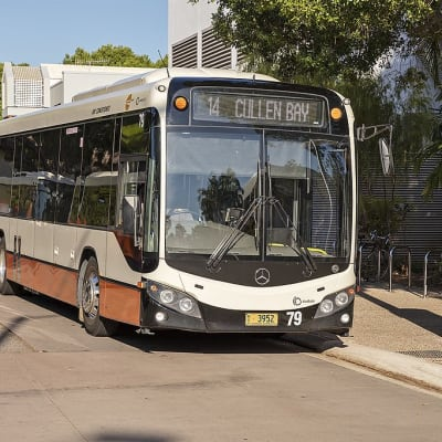 Territory_Transit_(mo_3952)_Custom_Coaches_CB80_bodied_Mercedes_O500LE_at_Bay_F_of_the_Darwin_Interchange.jpg