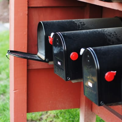 mailbox-875232_1920.jpg