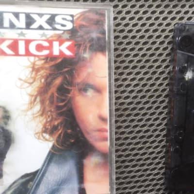 tinxs_kick.png
