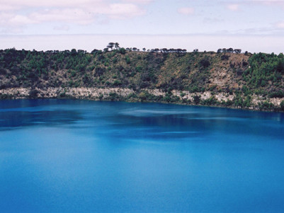 Mount_Gambier_Blue_Lake_A.jpg