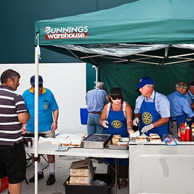 Bunnings sausage sizzle Power 100.jpg