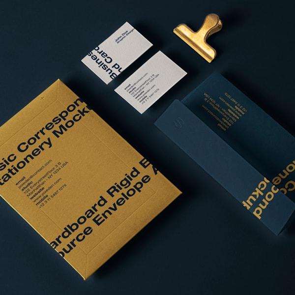 Mailing Mockup Papelería Branding v25