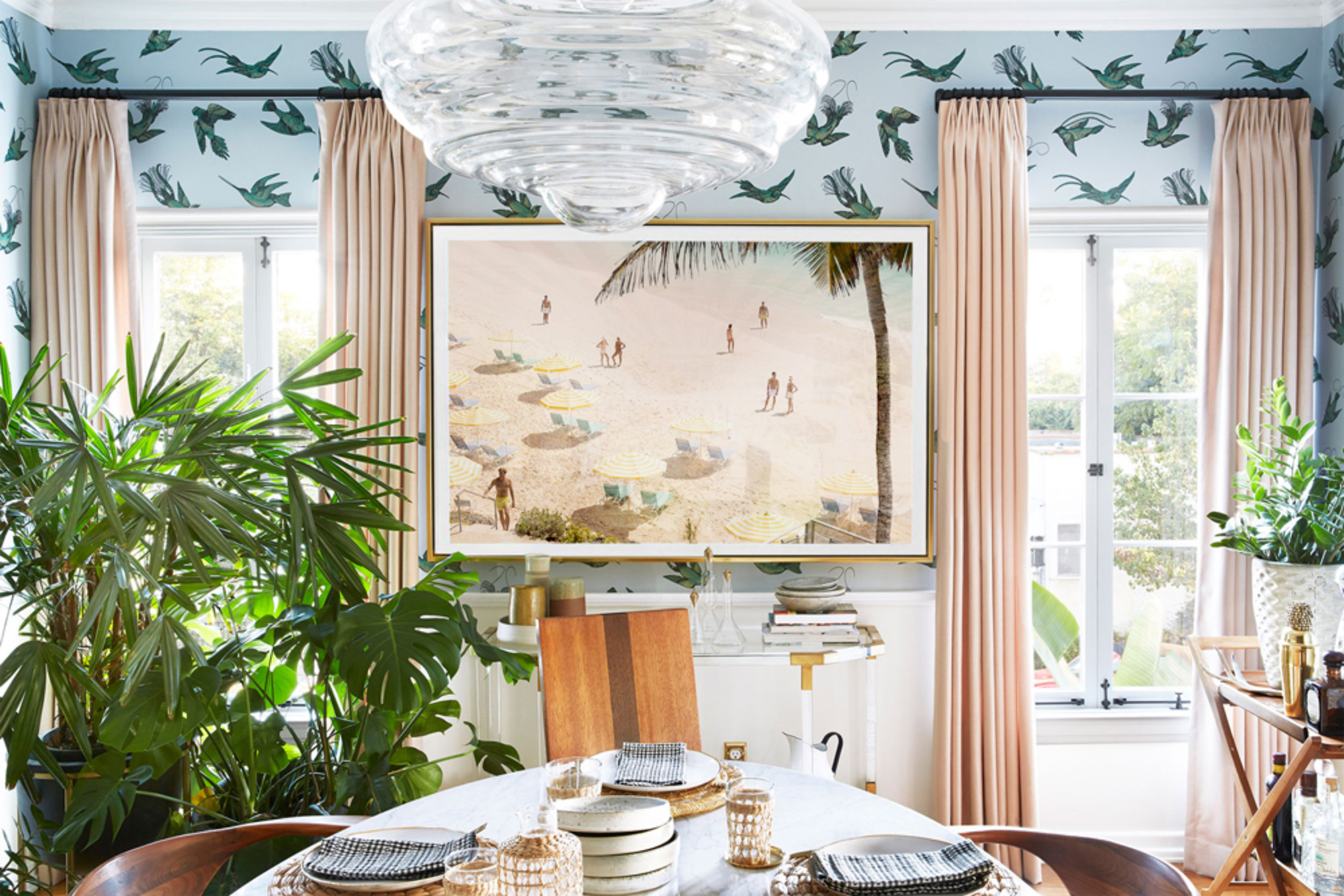How to Make a Formal Dining Room Fun, According to an ...