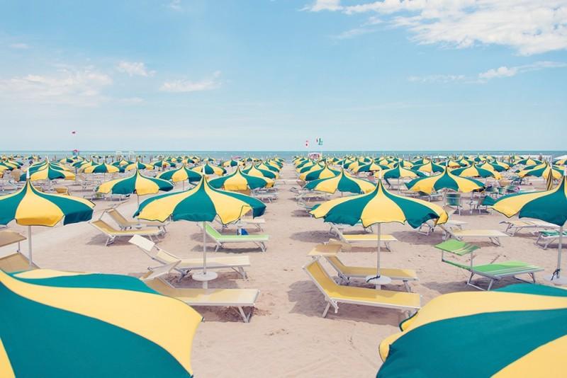 swirly-green-and-yellow-umbrellas_2