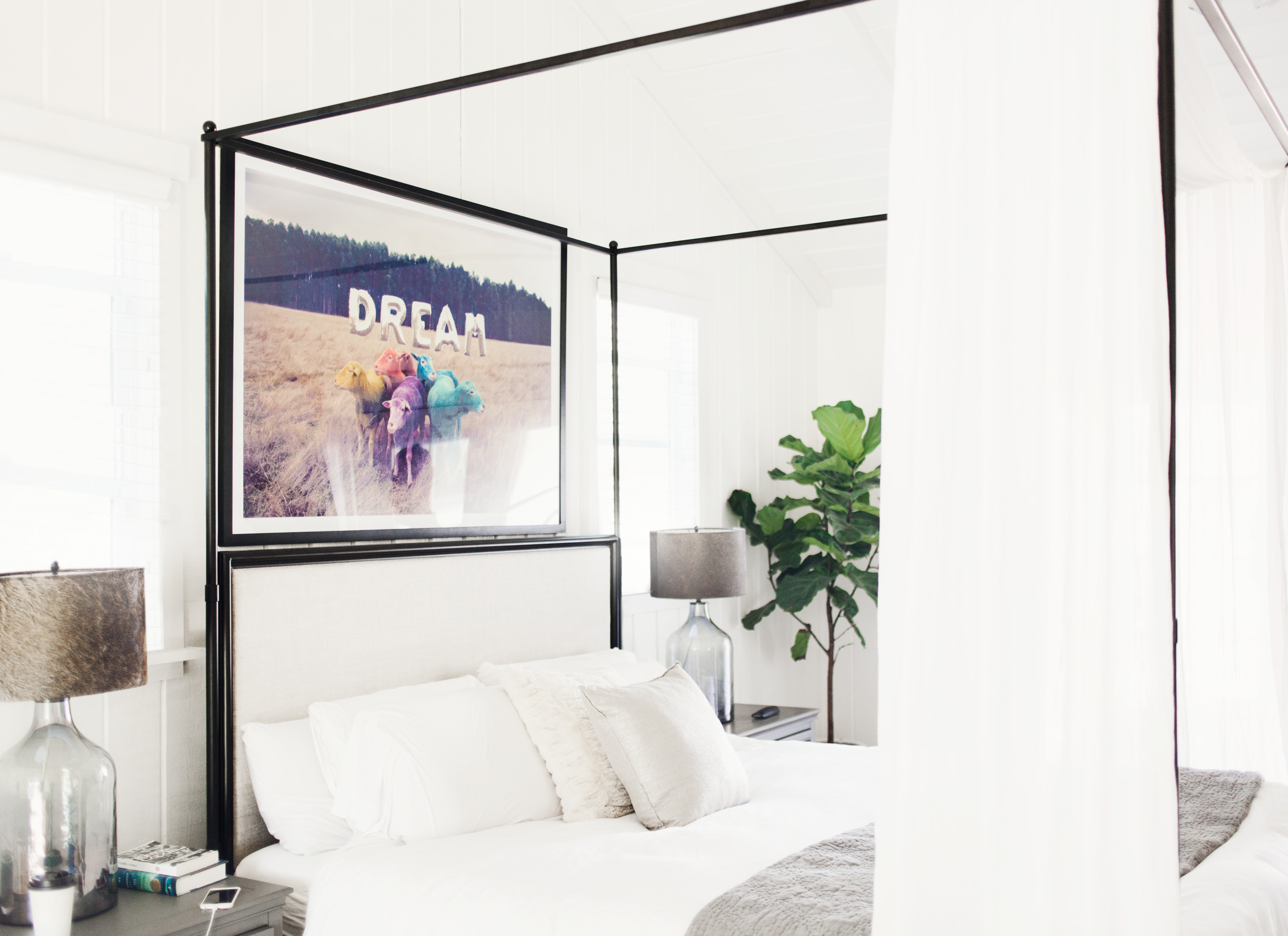Brody Jenner and Kaitlynn Carter bedroom