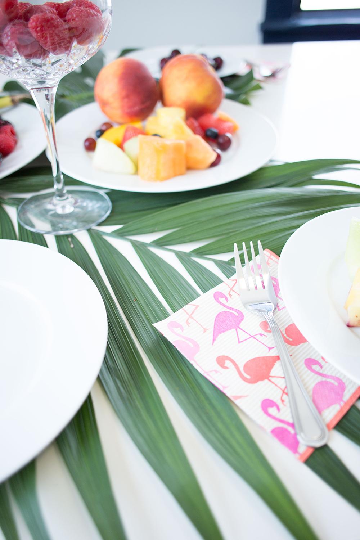 Palm Leaf Tablescape DIY on GrayMalin.com/Lifestyle