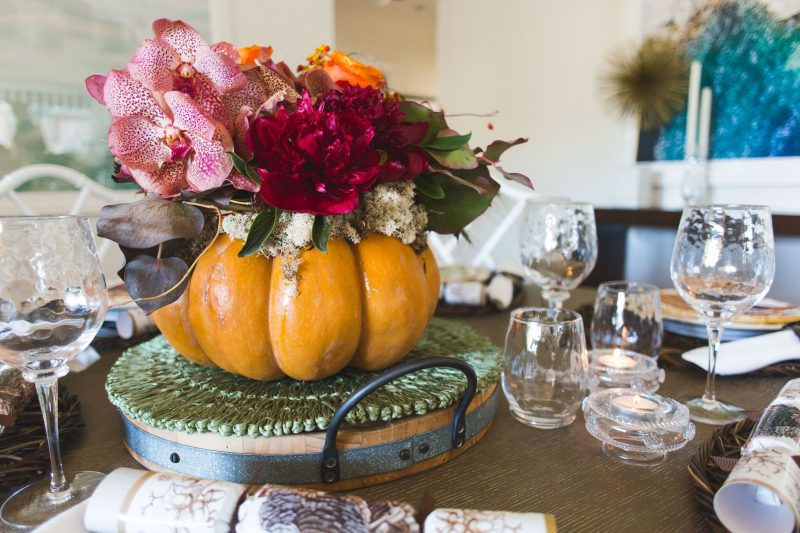 Thanksgiving Table Setting Tips - Wow with a Stunning Centerpiece
