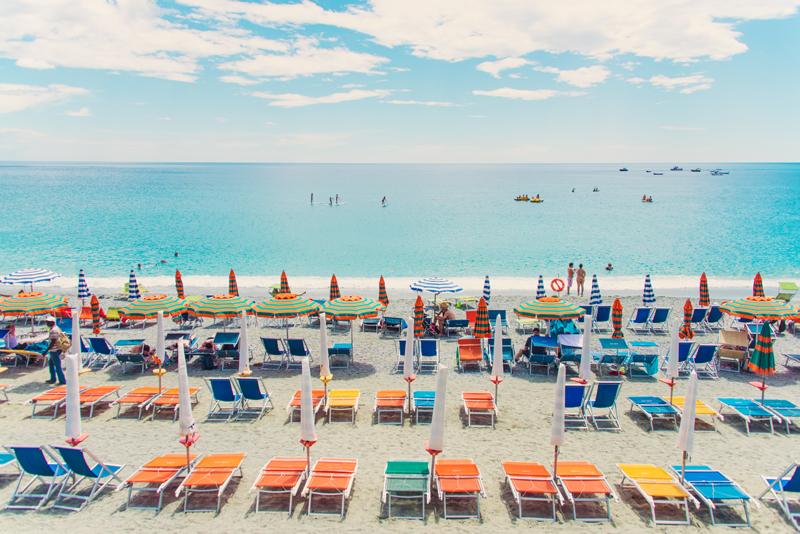 Multicolor-Chairs,-Cinque-Terre