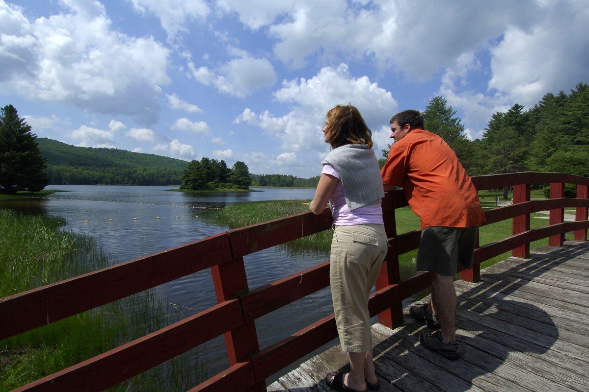 lake sherwood bridge
