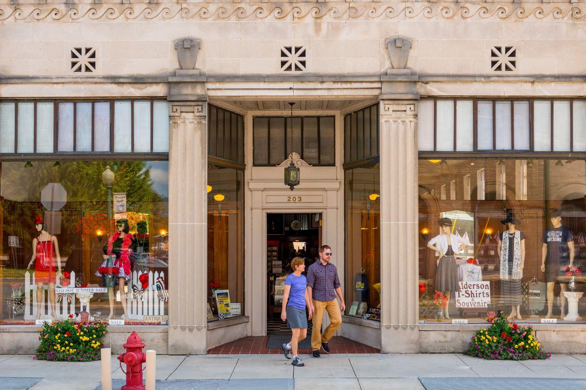 Alderson's Store Facade 1200x800