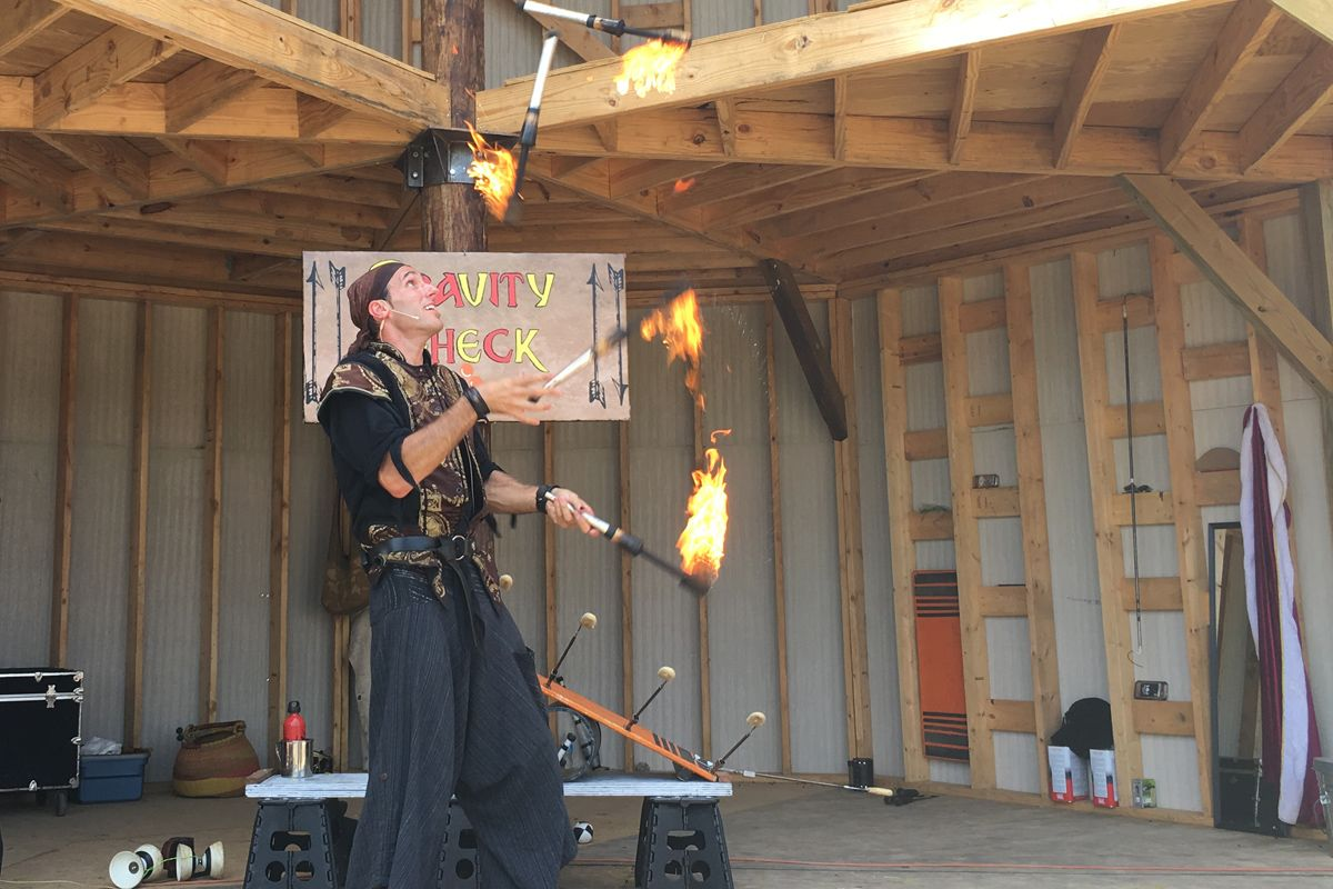 image renaissance fair juggler