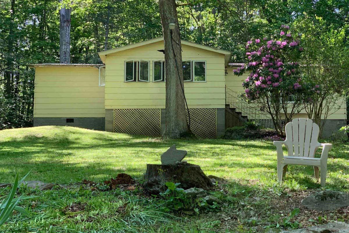 image river trail retreat cabin 1200x800