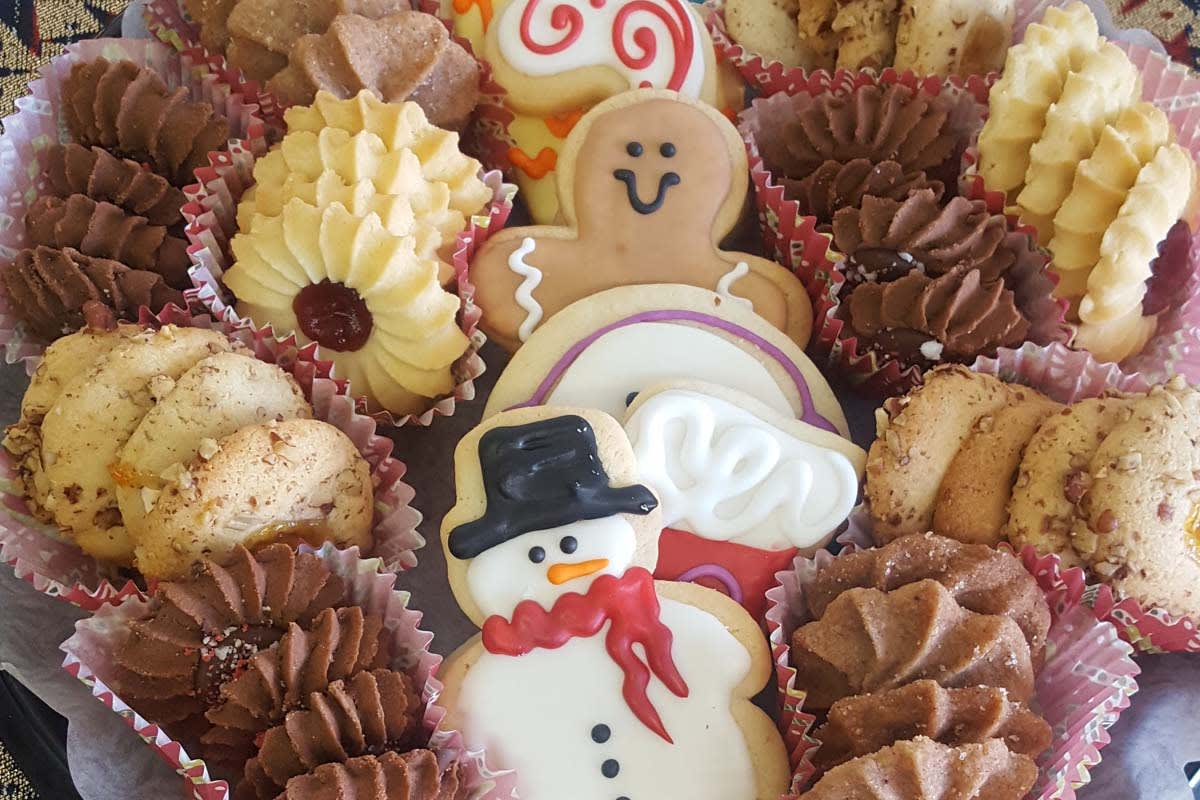image amys market holiday cookies 1200x800v