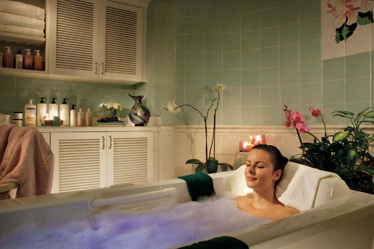 image the greenbrier spa soak 1200x800