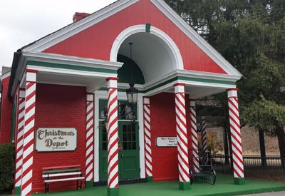 the greenbrier christmas shop at the depot
