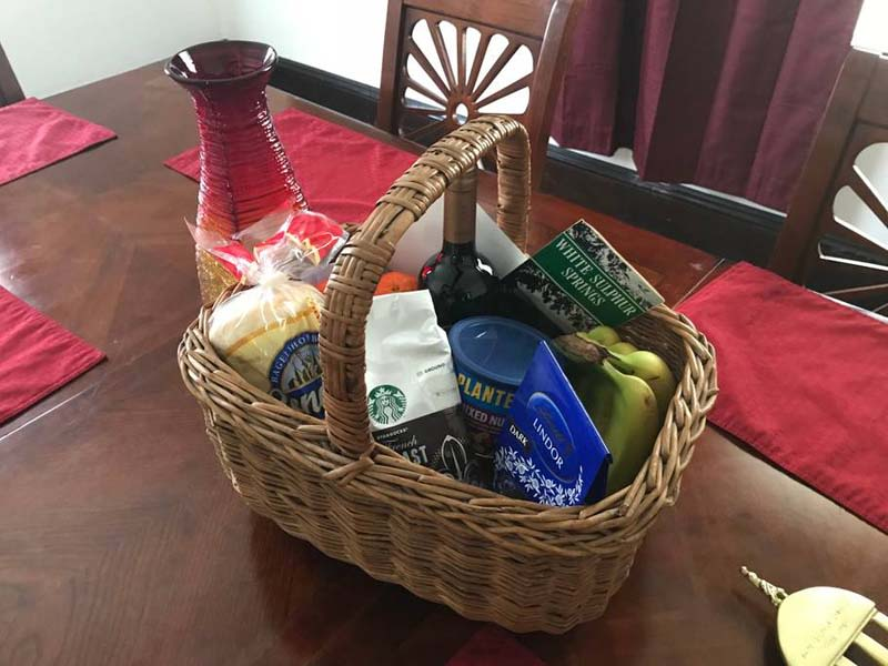 image the manse gift basket 1