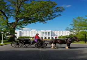 Motorcoach Day Trip Package to The Greenbrier