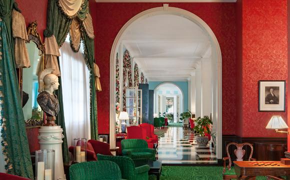 The Greenbrier Interior Hallway 580x360