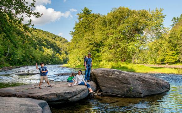 greenbrier river trail family on rocks