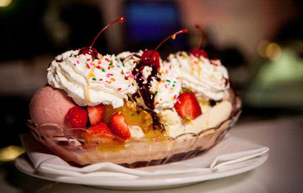 image-the-greenbrier-banana-split 580x370