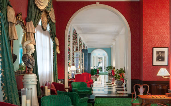 The Greenbrier Interior Hallway 580x360