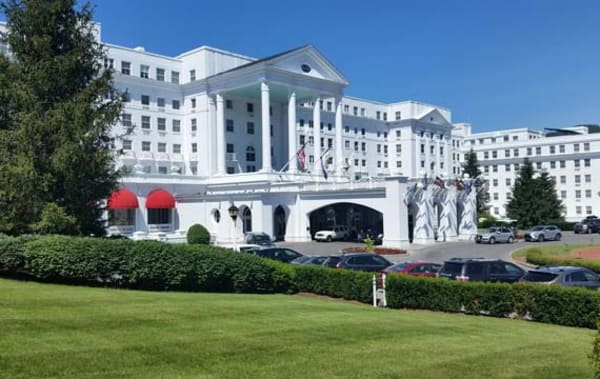 image the greenbrier front entrance 570x360