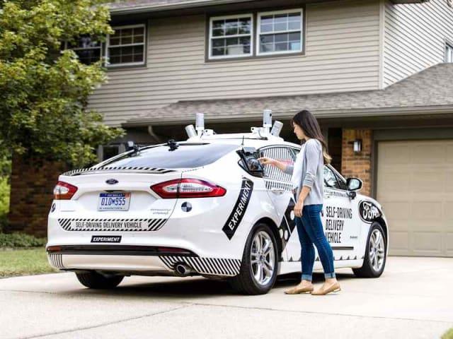 guida autonoma ford domino pizza