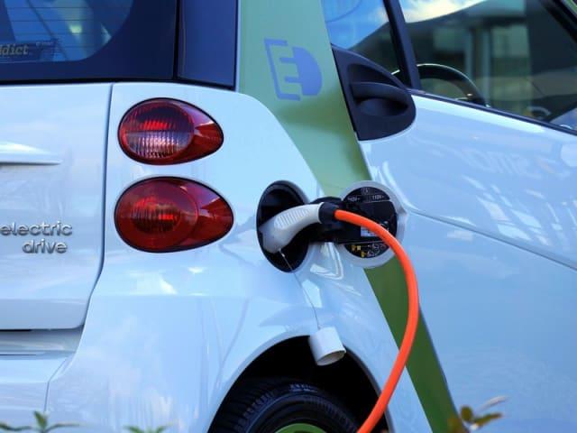 scegliere la batteria idreale per un'auto elettrica