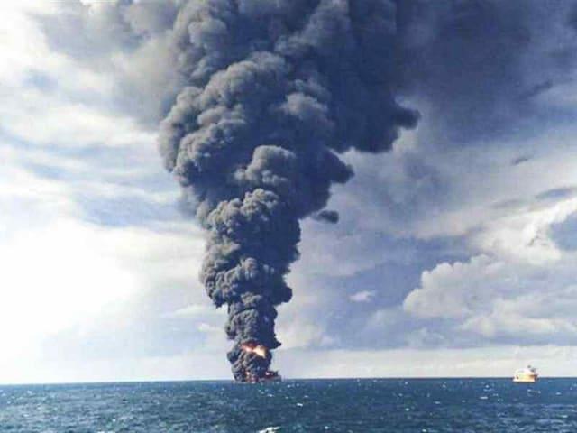 petroliera iraniana affondata
