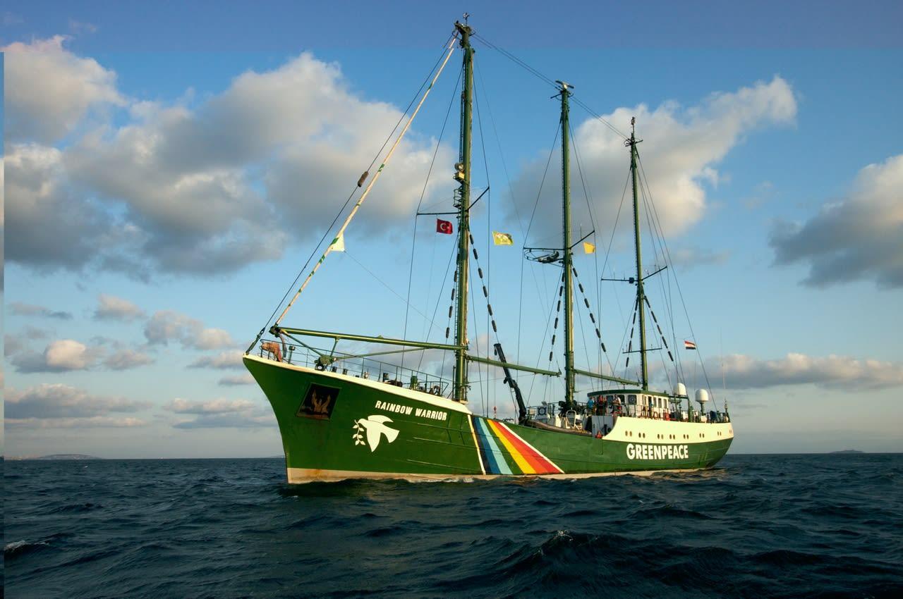 rainbow warrior greenpeace