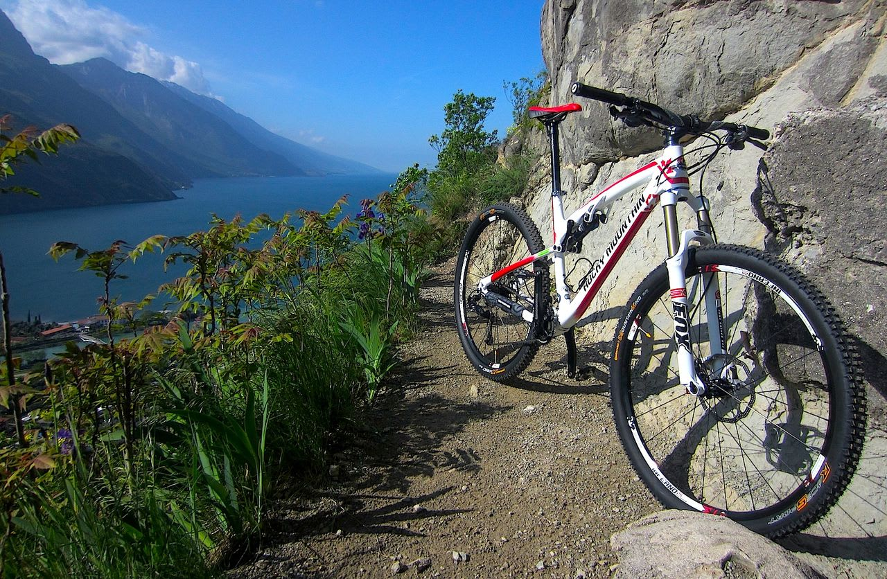 Garda by Bike: firmata l'intesa tra le province interessate