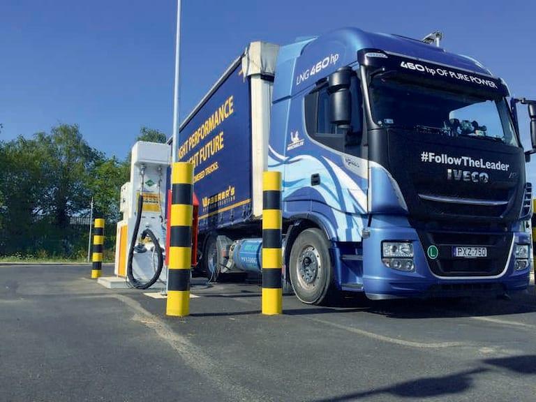 Decarbonizzare il trasporto merci con il gas naturale liquefatto