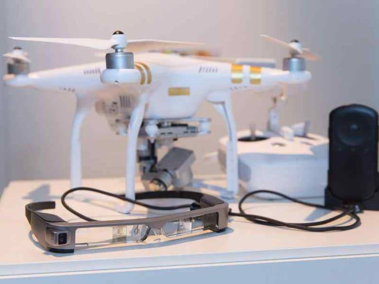 Realtà aumentata e smartglass per pilotare i droni DJI