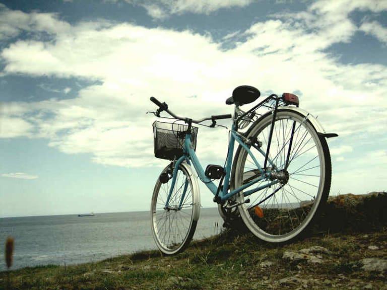 Agli italiani piace andare in bicicletta. E i territori si adeguano