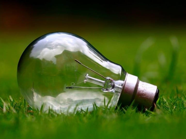 Mercato italiano dell'energia: le offerte luce sono molto green, quelle del gas meno
